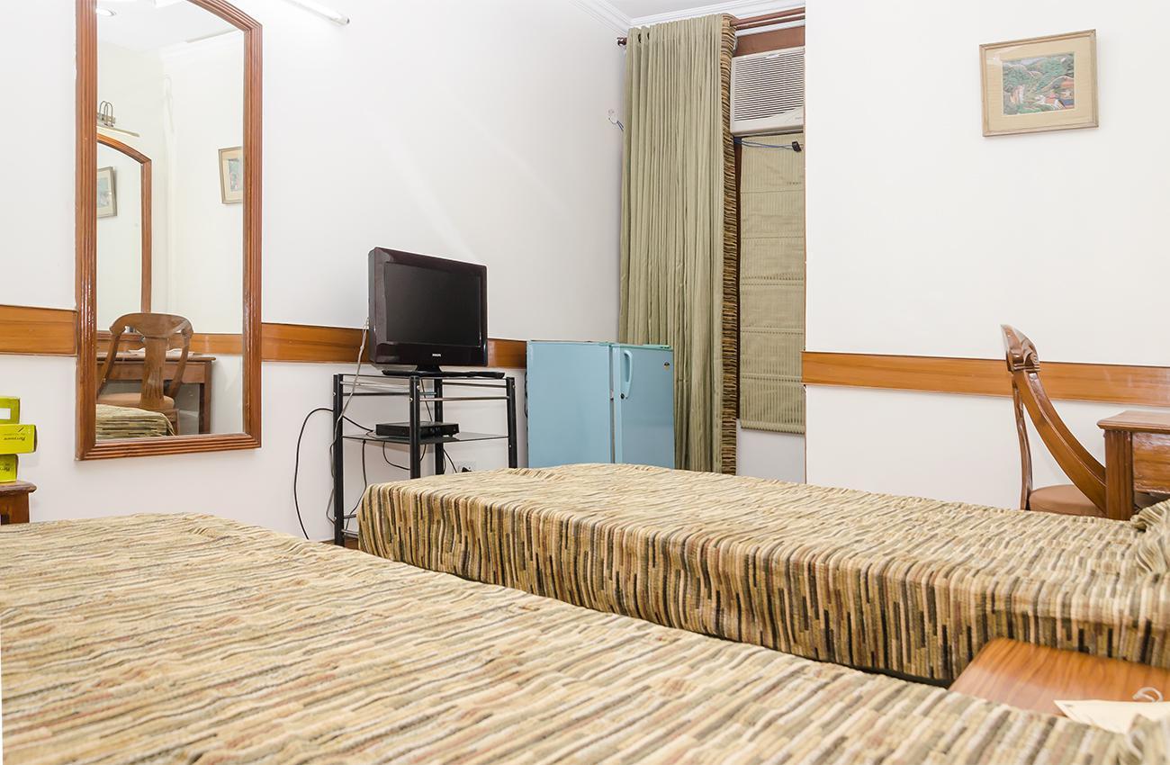 Sharing Rooms For Men At ₹8000 In Block F, Kalkaji, New Delhi, Delhi, India, New Delhi
